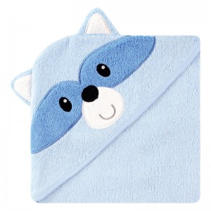 HOODED TOWEL - raccoon