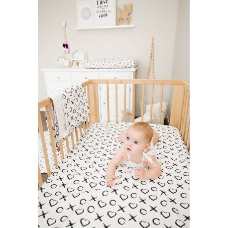 FITTED COT SHEET – White XO
