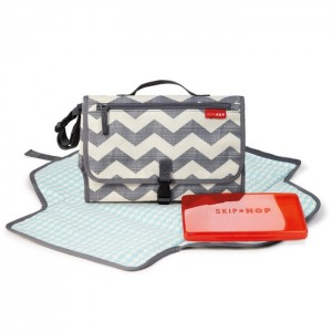 PRONTO CHANGING STATION – chevron