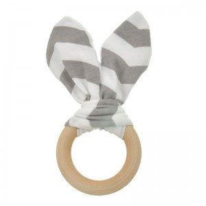 Natural Wood & Bunny Ear Teething Ring – Grey Chevron
